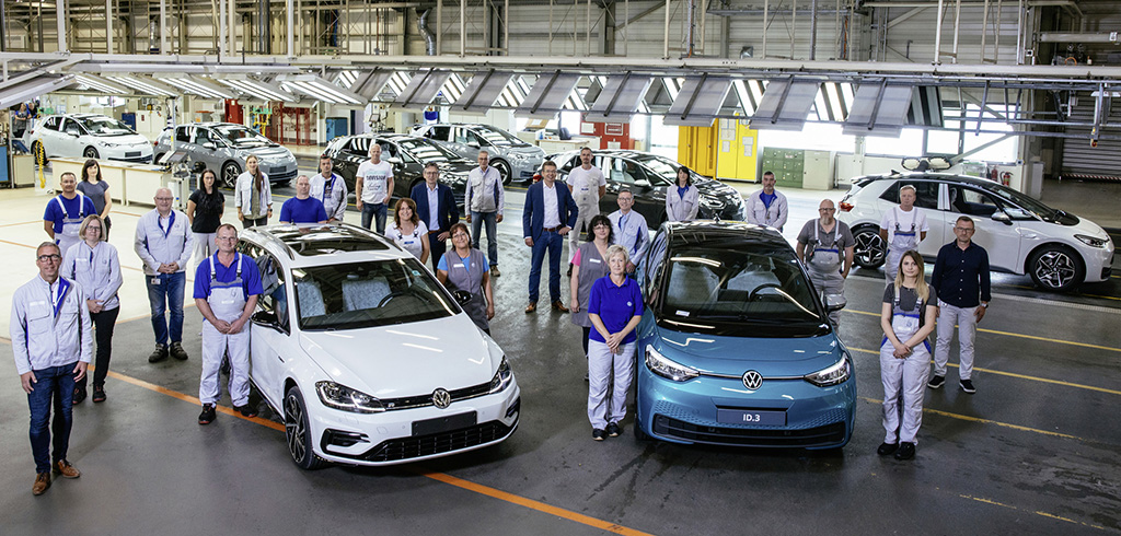 The final internal combustion-engined car was produced at Volkswagen Sachsen GmbH on 26 June 2020.
