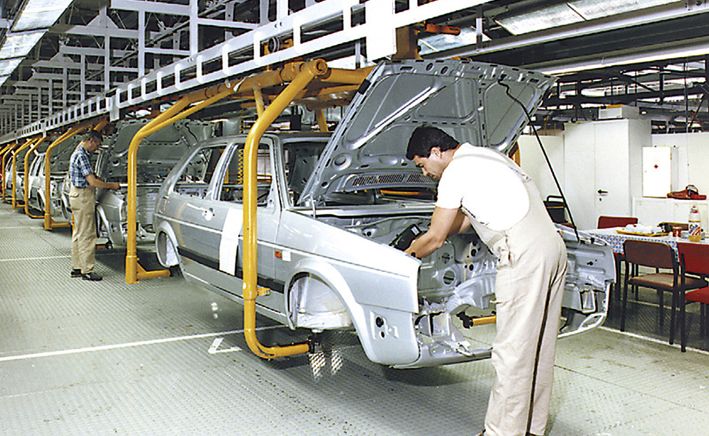 Production of the second-generation Volkswagen Golf commenced in Mosel on 15 February 1991.